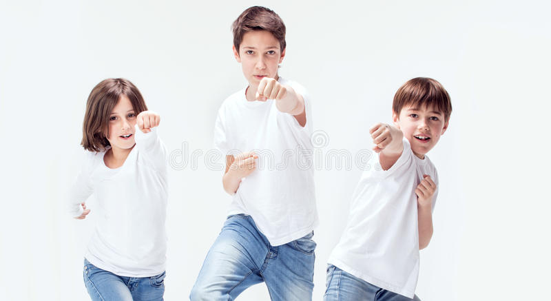 Groupe de gosses de sourire photos libres de droits
