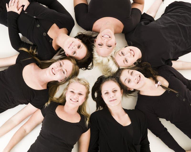 Groupe de jeunes femmes photo stock