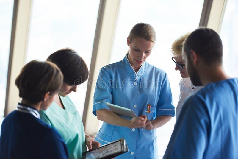 Groupe de personnel médical à l'hôpital image libre de droits