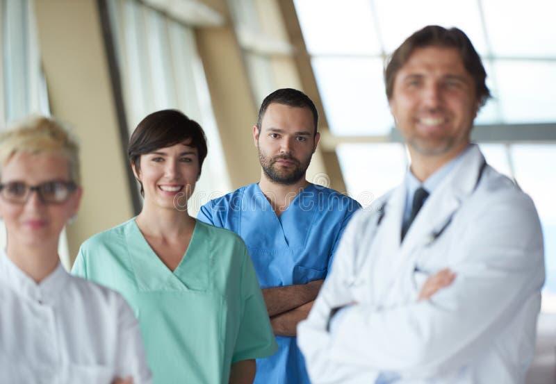 Groupe de personnel médical à l'hôpital photo stock