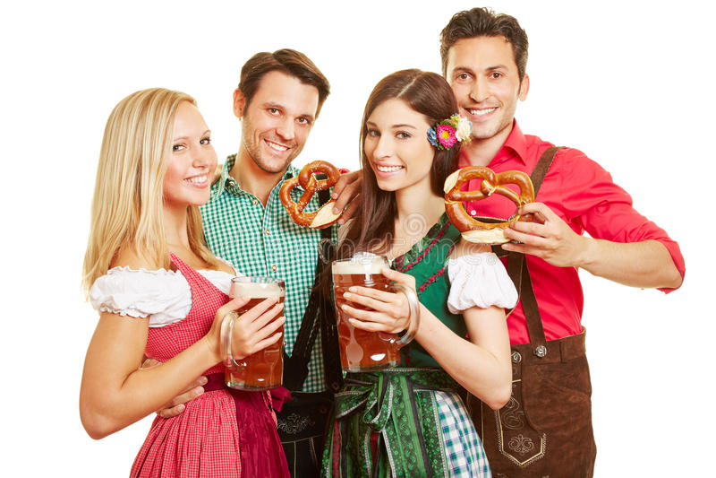 Groupe de personnes chez Oktoberfest photo libre de droits