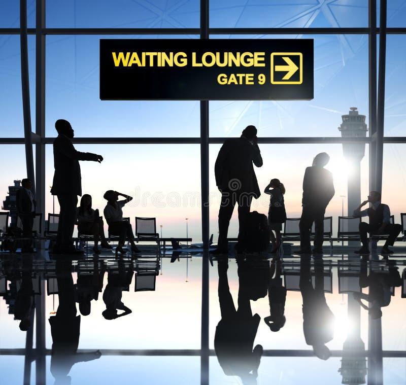 Download Groupe De Personnes Dans L'aéroport Image stock - Image du passager, hall: 45365115