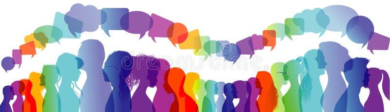 Groupe de personnes de dialogue Parler de foule Communication entre les personnes Profils de silhouette Arc-en-ciel et papillons  illustration stock