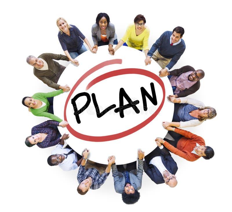 Groupe de personnes diverses dans une planification de cercle image stock