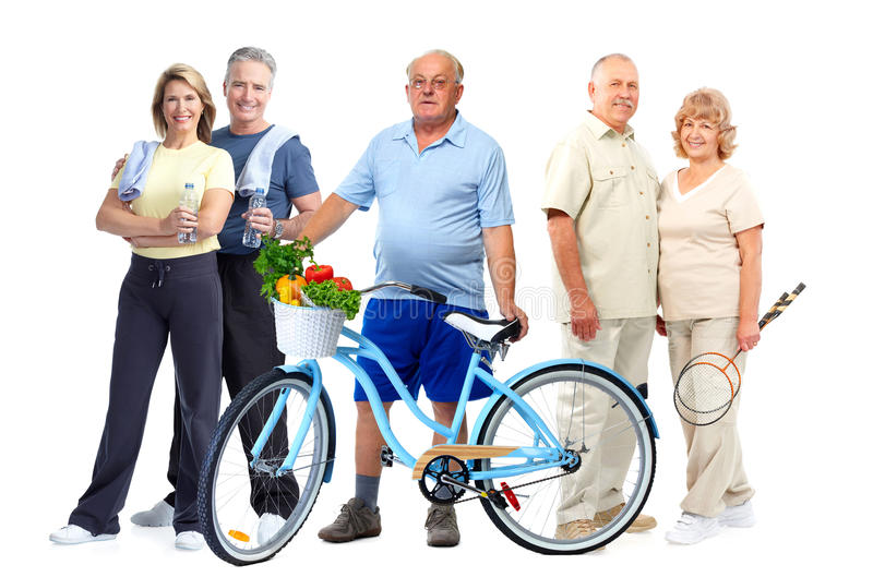 Groupe de personnes pluses âgé de forme physique avec la bicyclette images libres de droits