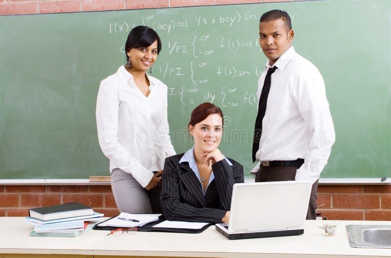 Groupe de professeurs image libre de droits