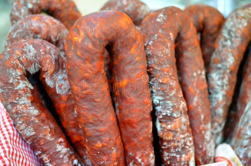 Groupe de saucisses espagnoles de chorizo photo stock