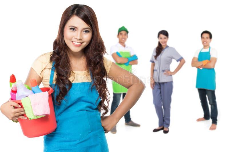 Groupe de services de nettoyage prêts à faire les corvées photo stock