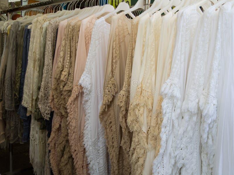 Groupe de vêtements frangés pour la femme dans des couleurs douces photos libres de droits