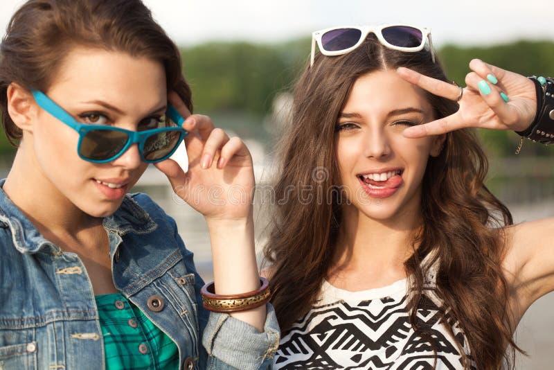 Groupe des jeunes photos stock