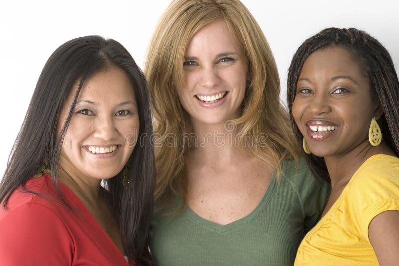 Groupe divers de femmes d'isolement sur le blanc image libre de droits