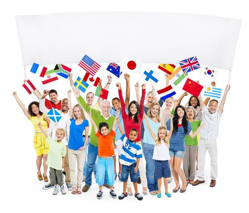 Groupe du groupe de personnes multi-ethnique photo stock