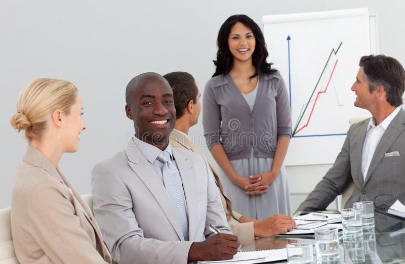 Groupe heureux de gens d'affaires image stock