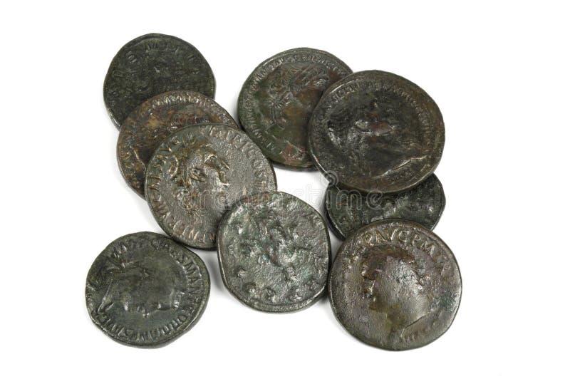 Groupe original de pièces de monnaie romaines antiques photographie stock
