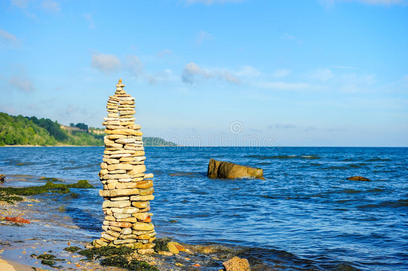 Groupe pyramidal de pierres images stock