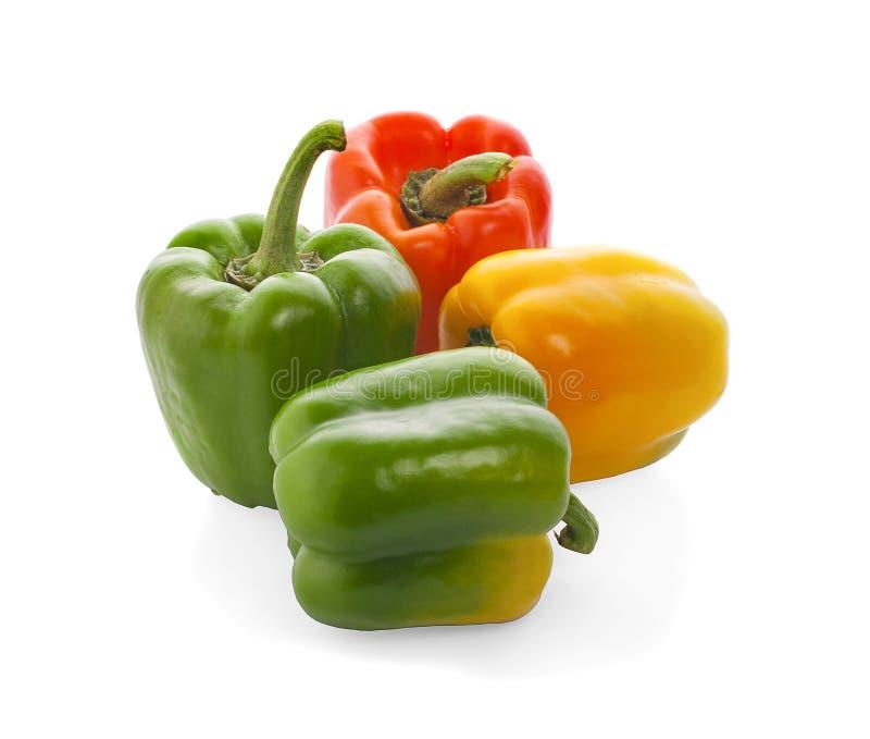 Groupe rouge, jaune et vert de paprika d'isolement sur le fond blanc photo libre de droits
