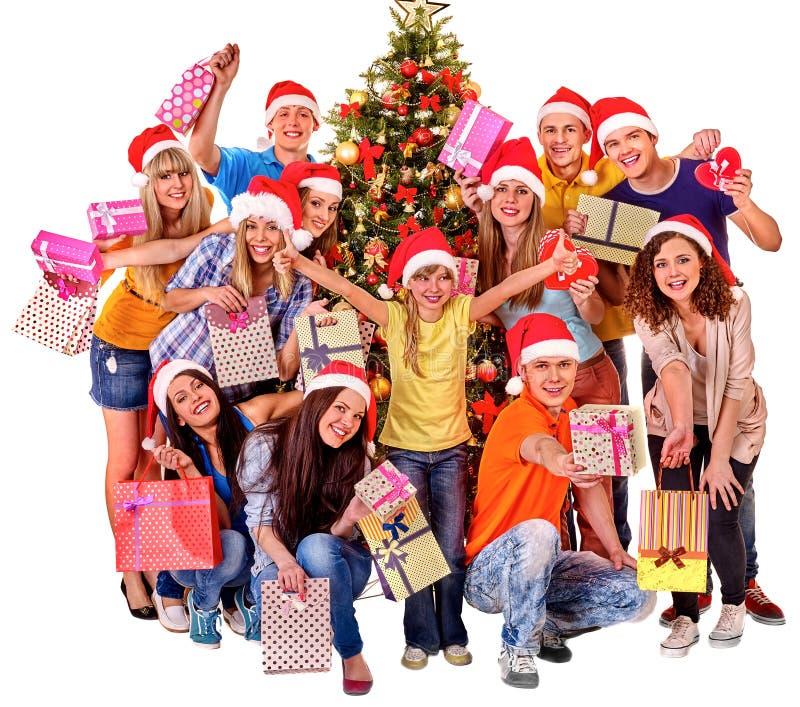 Groupez l'adulte et l'enfant de personnes avec le boîte-cadeau près images libres de droits