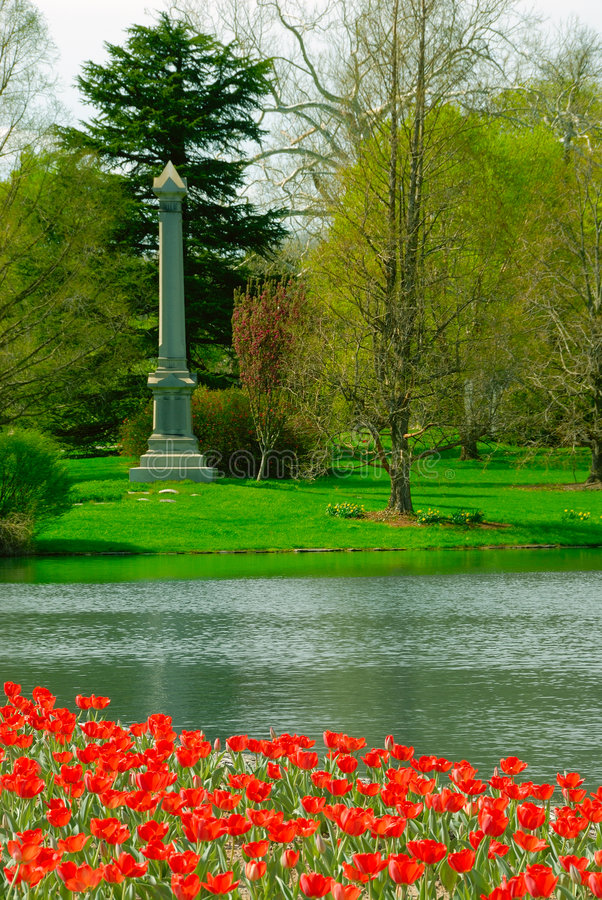 grove cmentarniana wiosny zdjęcia stock