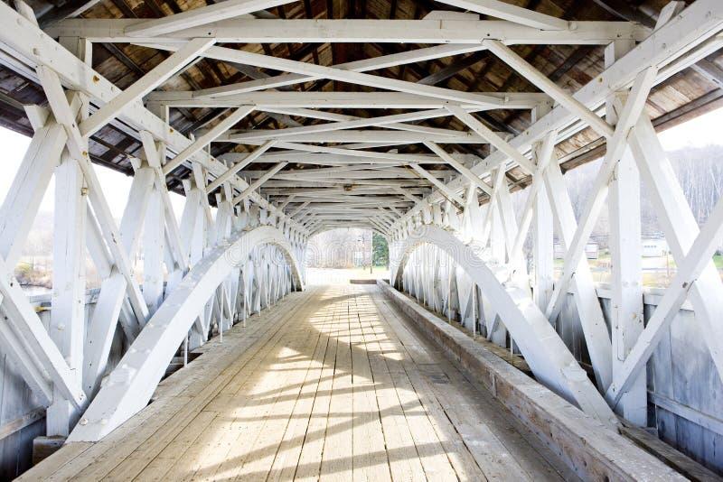 Groveton-überdachte Brücke 1852, New Hampshire, USA stockfotografie