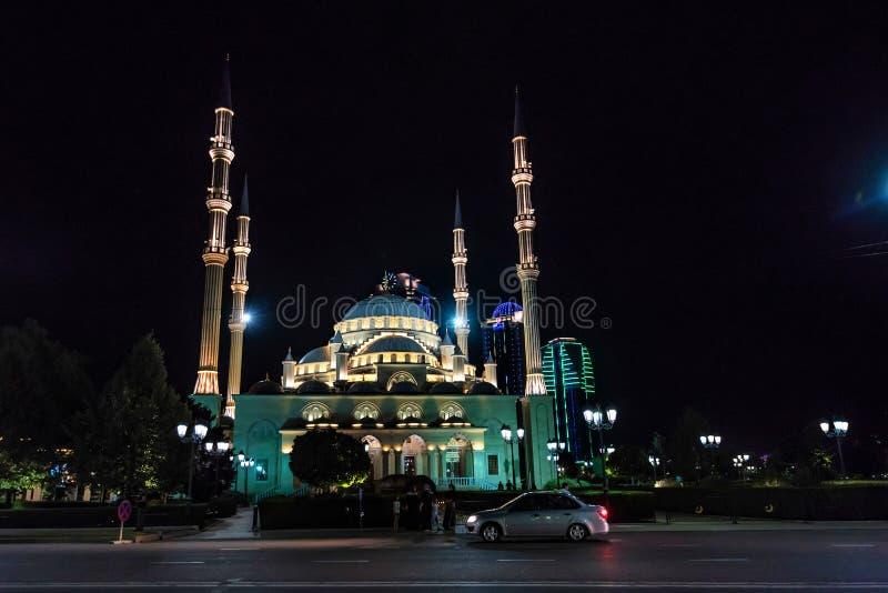 GROZNY, RUSLAND - JULI 9, 2017: Akhmad Kadyrov Mosque in Grozny, Tchetchenië, Rusland stock afbeelding