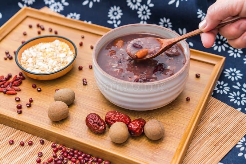 Gruau de Laba, gruau de Babao, un plat gastronome dans la Chine du Nord photos stock