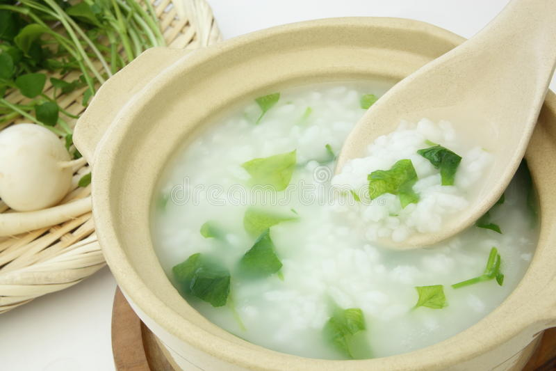 Gruau de riz avec les sept herbes, nourriture japonaise photo stock
