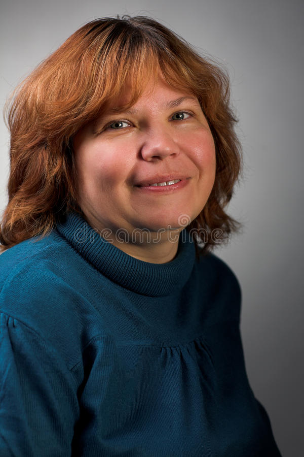 gruba uśmiechnięta kobieta obraz stock