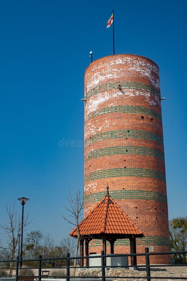 Grudziadz, kujawsko-pomorskie/Polônia - abril, 5, 2019: A torre velha do castelo no monte de Vistula Ruínas do castelo na Europa  fotos de stock