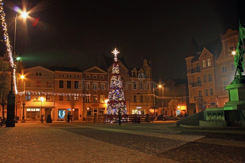 GRUDZIADZ, POLOGNE - 27 NOVEMBRE 2015 : Arbre et décorations de Noël dans la vieille ville de Grudziadz, Pologne image stock