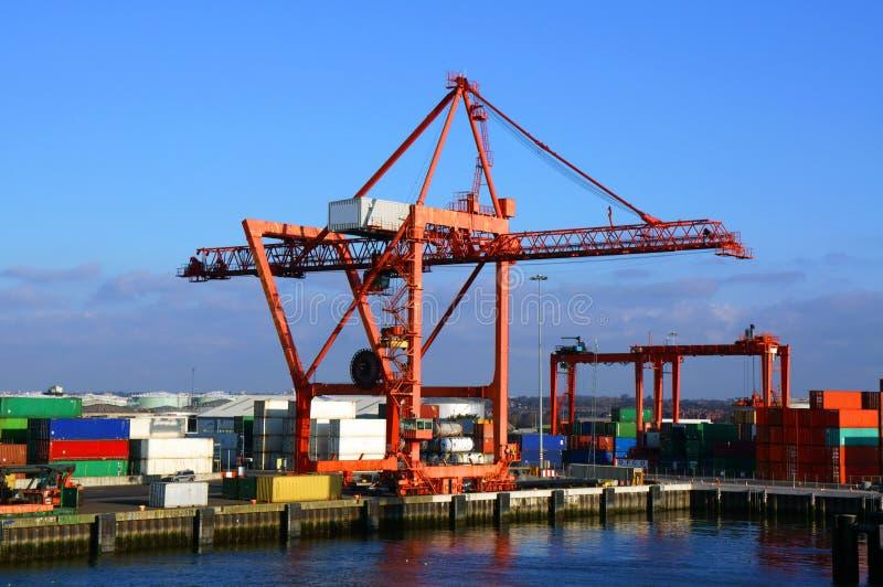 Grue de chargement de récipient, Dublin Port images libres de droits