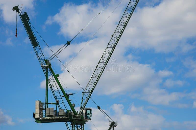 Grue de construction, ville de Londres image stock