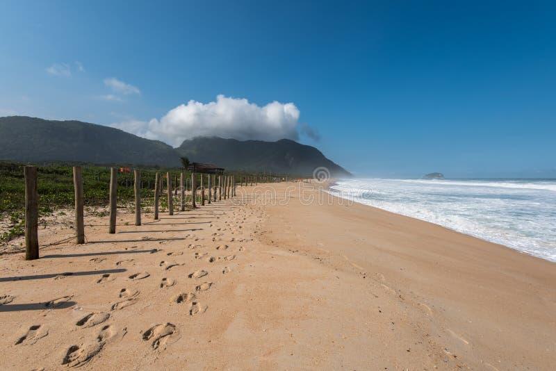 Grumari strand arkivbilder