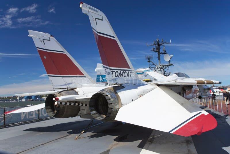 Grumman F-14 Tomcat på det Interpid museet royaltyfri fotografi