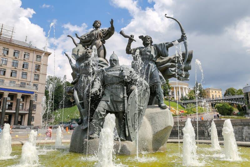 Grundare av den Kiev monumentet i Kiev, Ukraina royaltyfria bilder