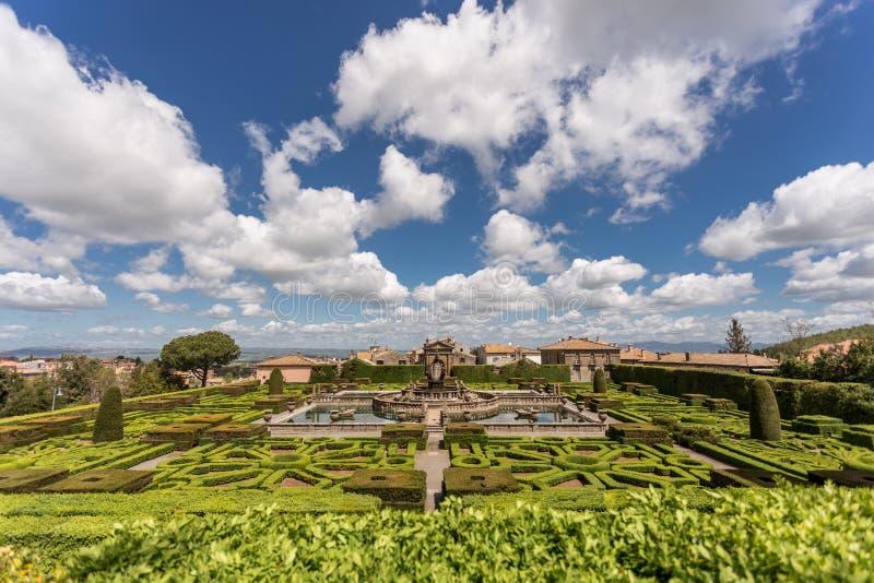 Grundaren av fyra Moors i Villa Lante, Villa Lante, är en Mannerist-trädgård nära Viterbo, centrala Italien royaltyfri fotografi