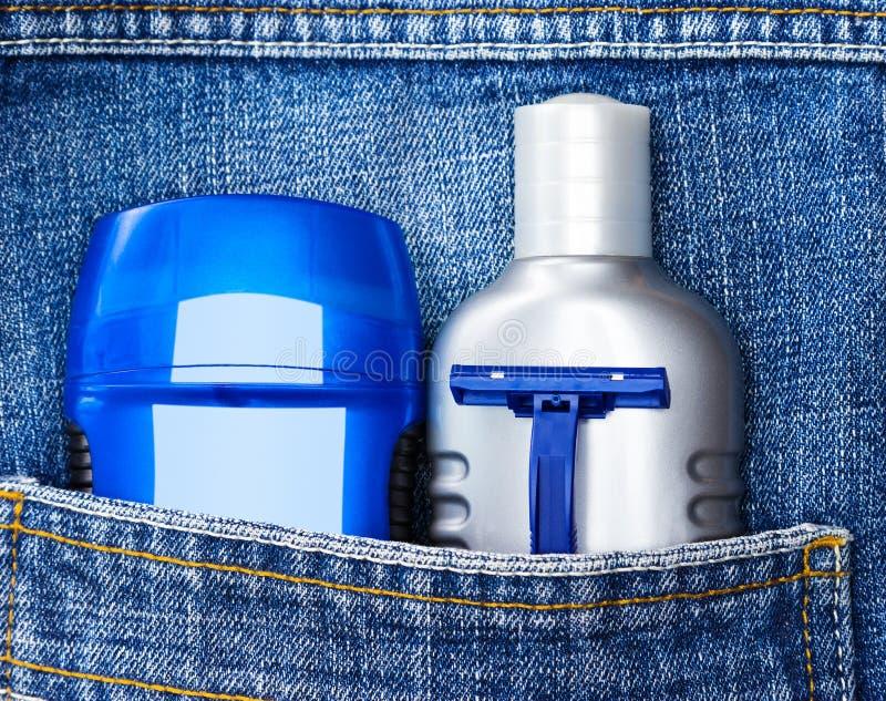 Grundläggande produkter och tillbehör för hudomsorg kosmetiska för män royaltyfria foton