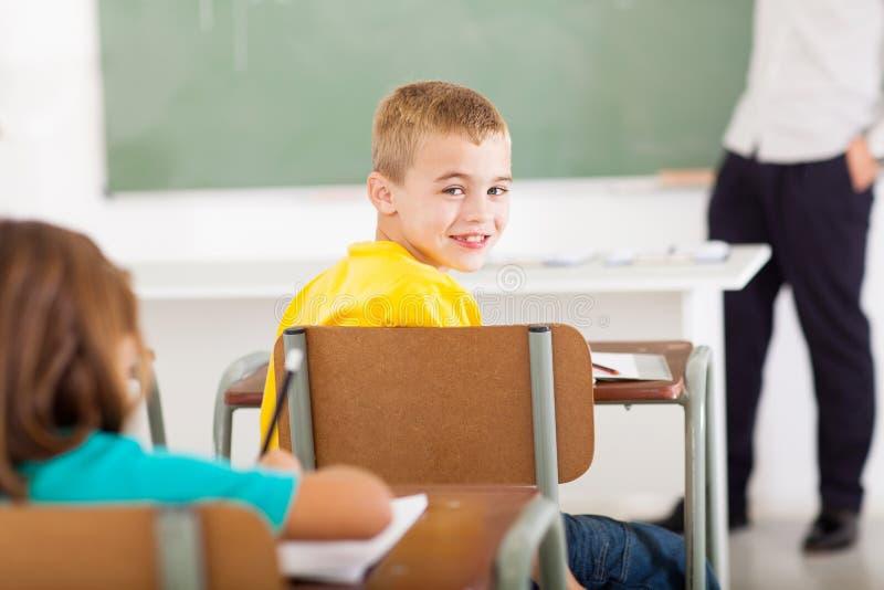 Grundskola för barn mellan 5 och 11 årstudent arkivbild