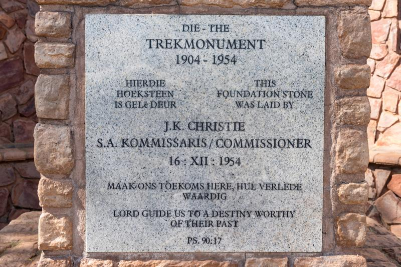 Grundstein der Tansania-Wanderungs-Monumentreplik in Preto stockbild
