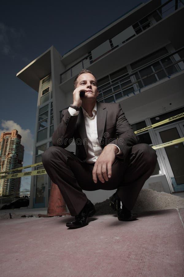 Grundwinkelsicht eines Geschäftsmannes stockfotos
