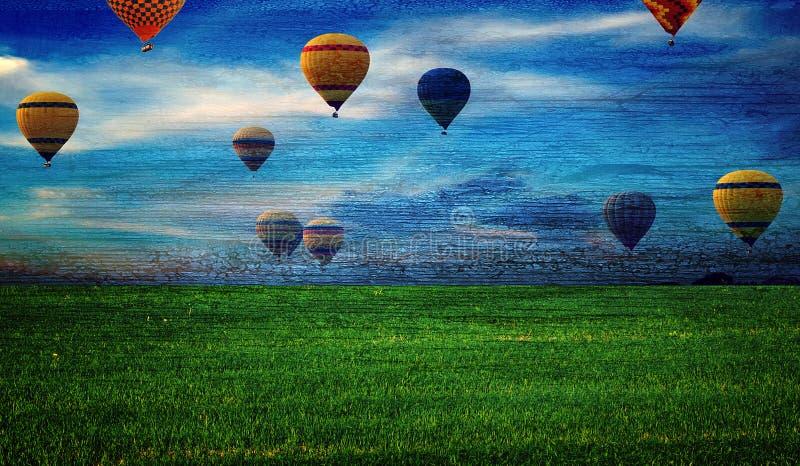 Grunge de madeira colorido do fundo dos balões de ar quente foto de stock