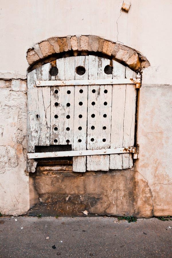 Grunge de madeira da porta imagens de stock