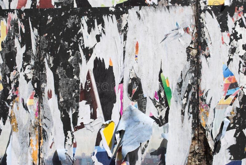 Grunge enlevée d'affiche image stock