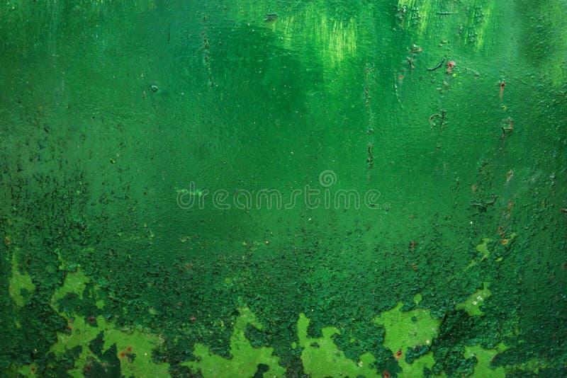 grunge, vintage Le plan rapproché d'un vieux vert a peint tôle en fer, rencontré image stock