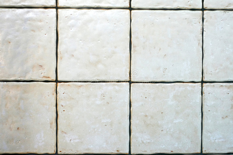 Grunge Weißfliesen lizenzfreie stockfotos
