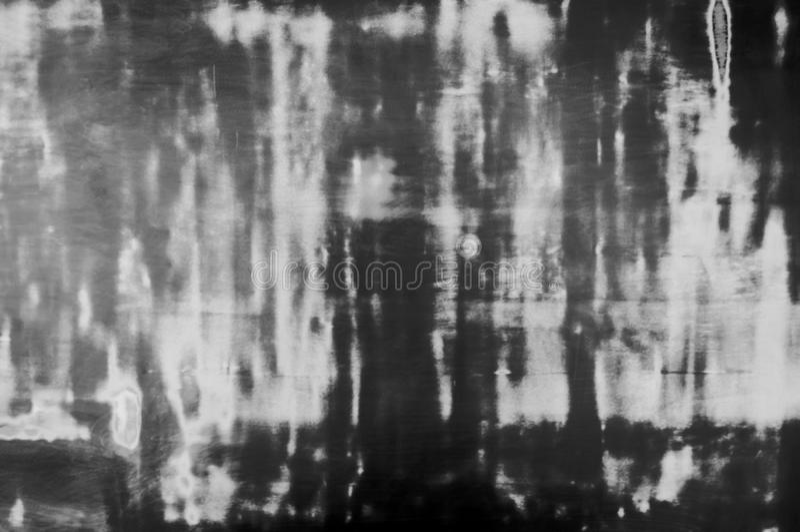 Grunge zmroku popielaty lub czarny kolor tekstury blackboard Brudnego pyłu panelu farby wzoru czarny i biały projekt z astronauty zdjęcia stock