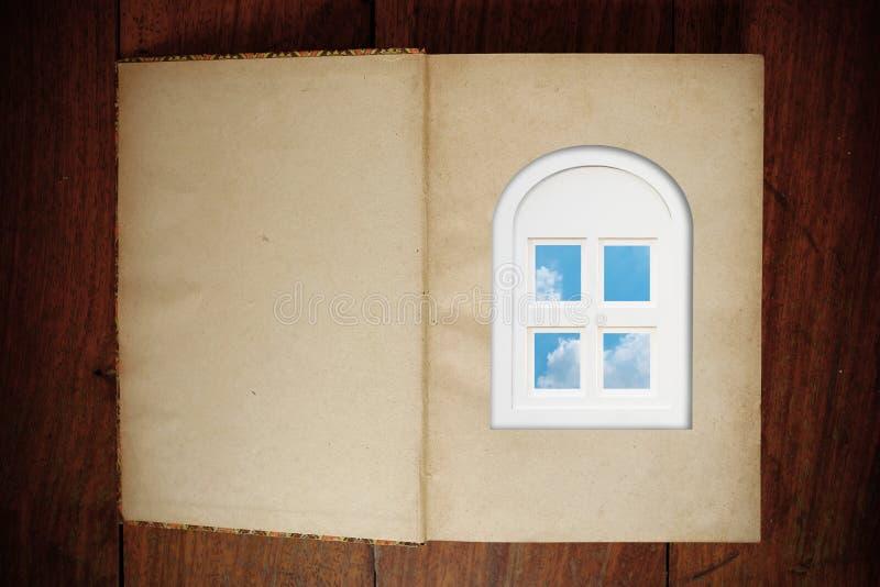 Grungedocument boek en venster royalty-vrije stock afbeeldingen