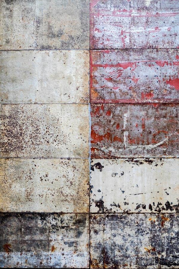 Grungestål belägger med tegel bakgrundstextur fotografering för bildbyråer