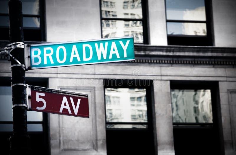Grungy Broadway-Zeichen lizenzfreie stockfotos