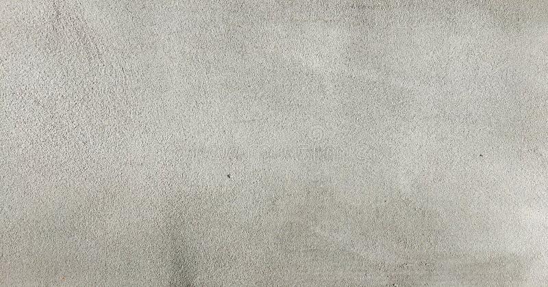 Grungy geschilderde muurtextuur als achtergrond Gebarsten concrete uitstekende muurachtergrond, oude witte geschilderde muur Acht royalty-vrije stock foto