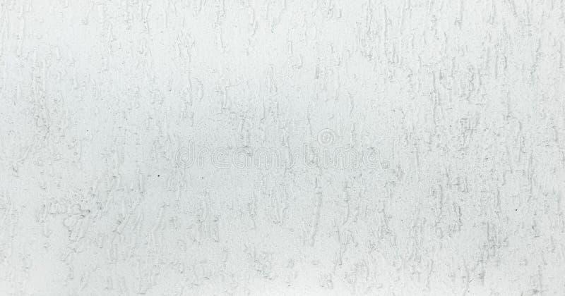 Grungy geschilderde muurtextuur als achtergrond Gebarsten concrete uitstekende muurachtergrond, oude witte geschilderde muurtextu royalty-vrije stock foto's